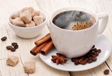Кофе с корицей: польза и вред
