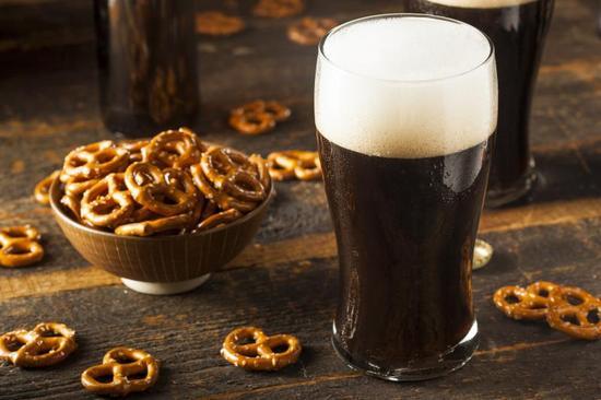Темное пиво: польза и вред