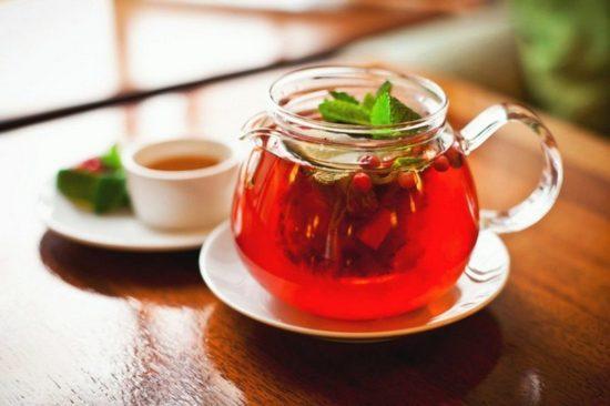 Чай из листьев брусники: польза и вред