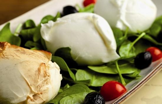 Сыр «Моцарелла»: польза и вред для организма