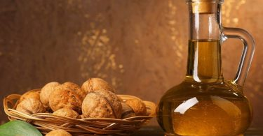 Самогон на грецких орехах: польза и вред