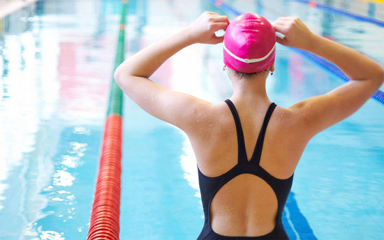 Плавание в бассейне: польза и вред