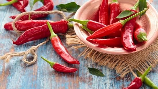 Горький перец: польза и вред для здоровья