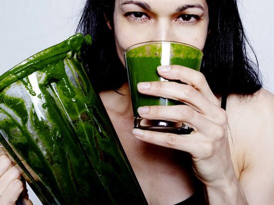 Зеленые коктейли: польза и вред, отзывы врачей