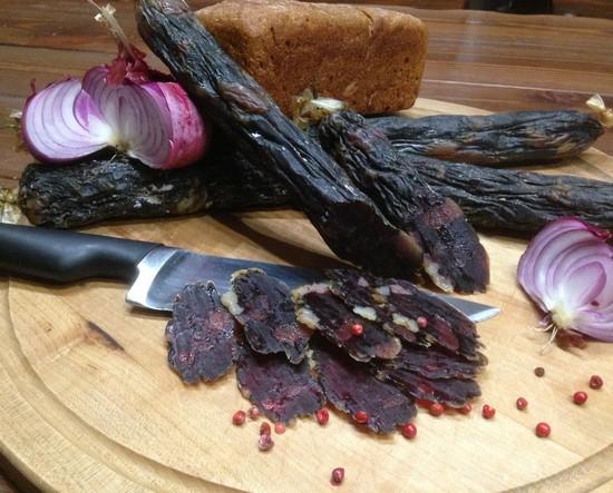 Конская колбаса: польза и вред для мужчин и женщин